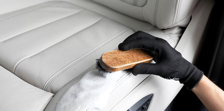 leather car cleaner