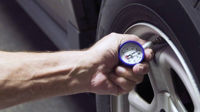 Best Tire Pressure Gauges (Review & Buying Guide) in 2020