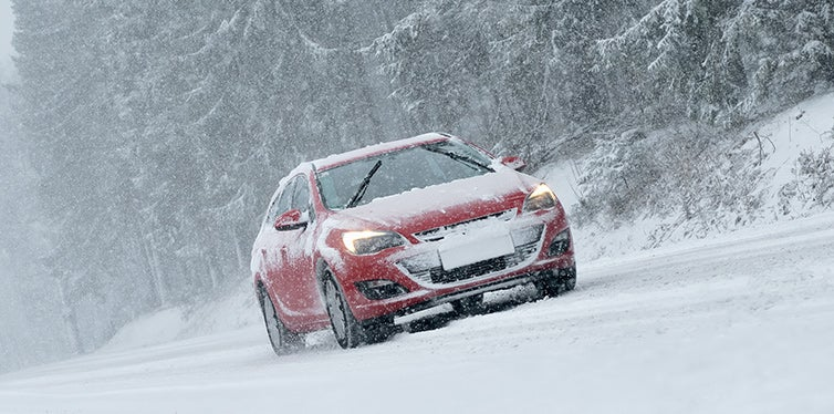 safety tips when driving in snow
