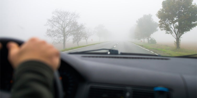 10 Safety Tips When Driving in Fog | CarBibles