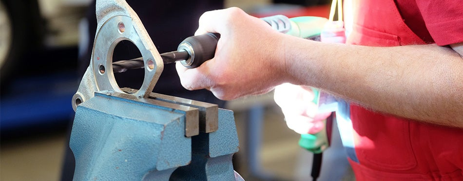 thread cutting with a vise