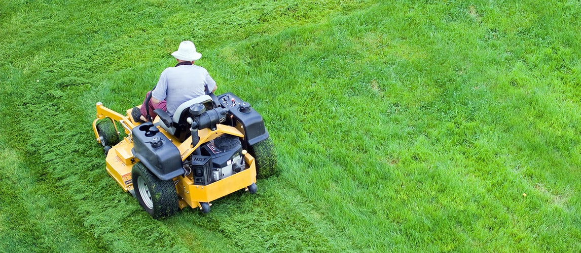 How to Drive a Zero Turn Lawn Mower