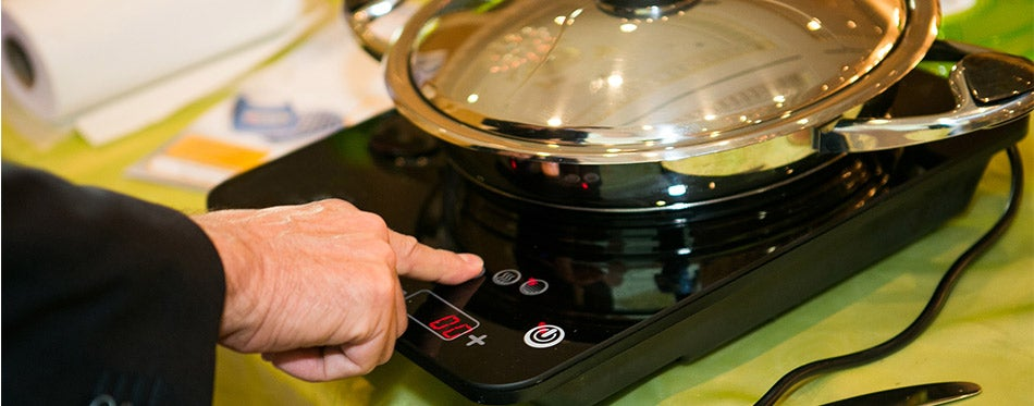 Induction cooktop and pan