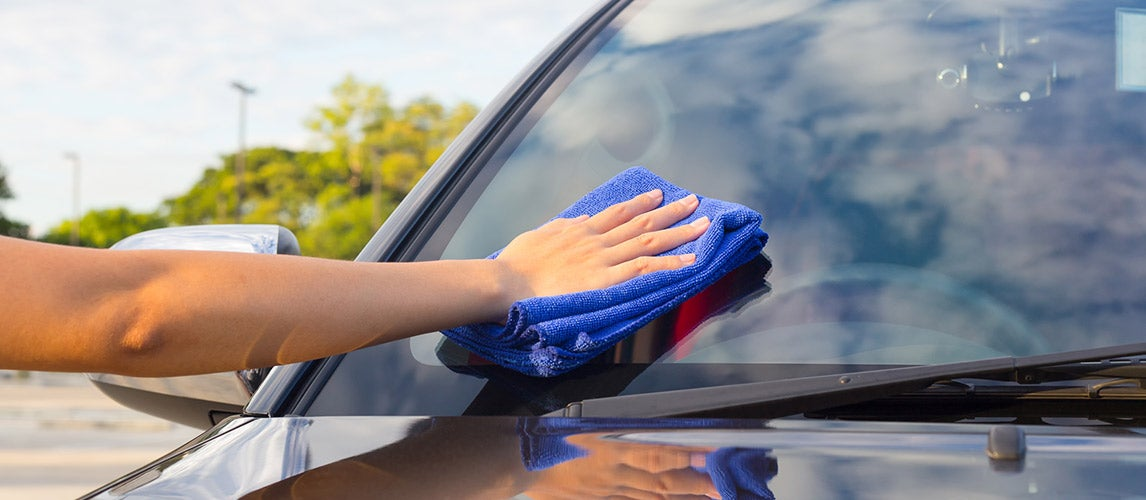 How to Remove Scratches from a Windshield