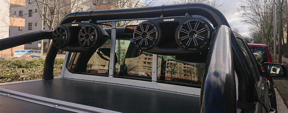 6x8 Speakers On The Back of Truck