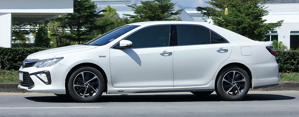 White toyota camry with new tires