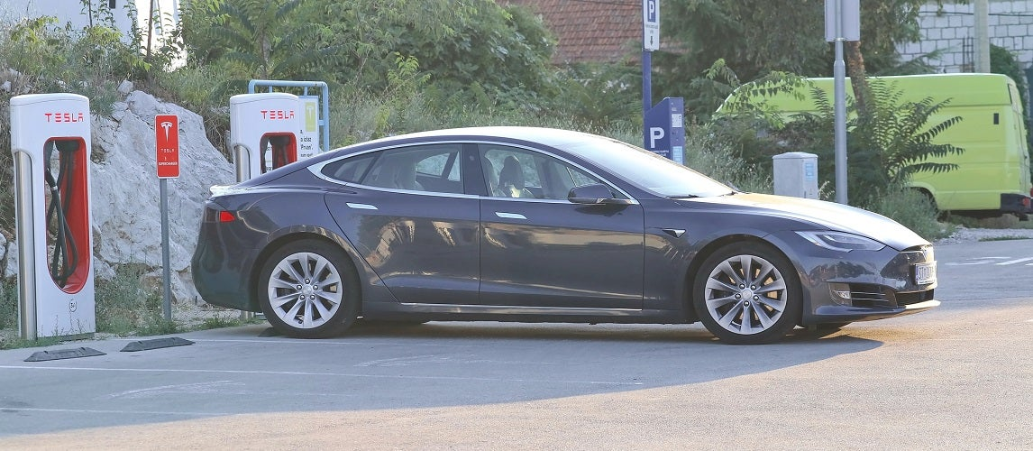 How Long Does it Take To Charge a Tesla & How Much Does it ...