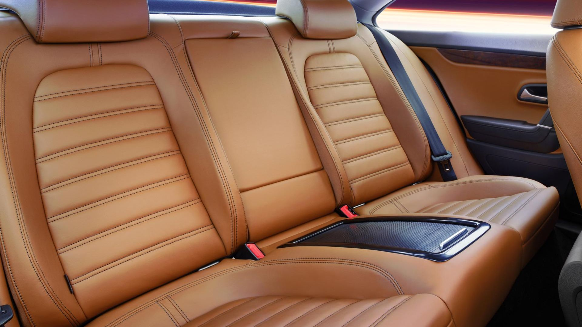 Leather rear seats.