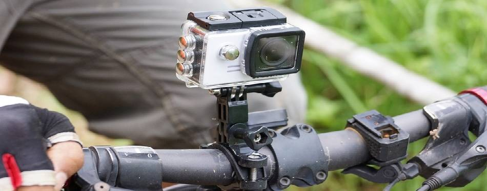 Digital camera installed on a bicycle