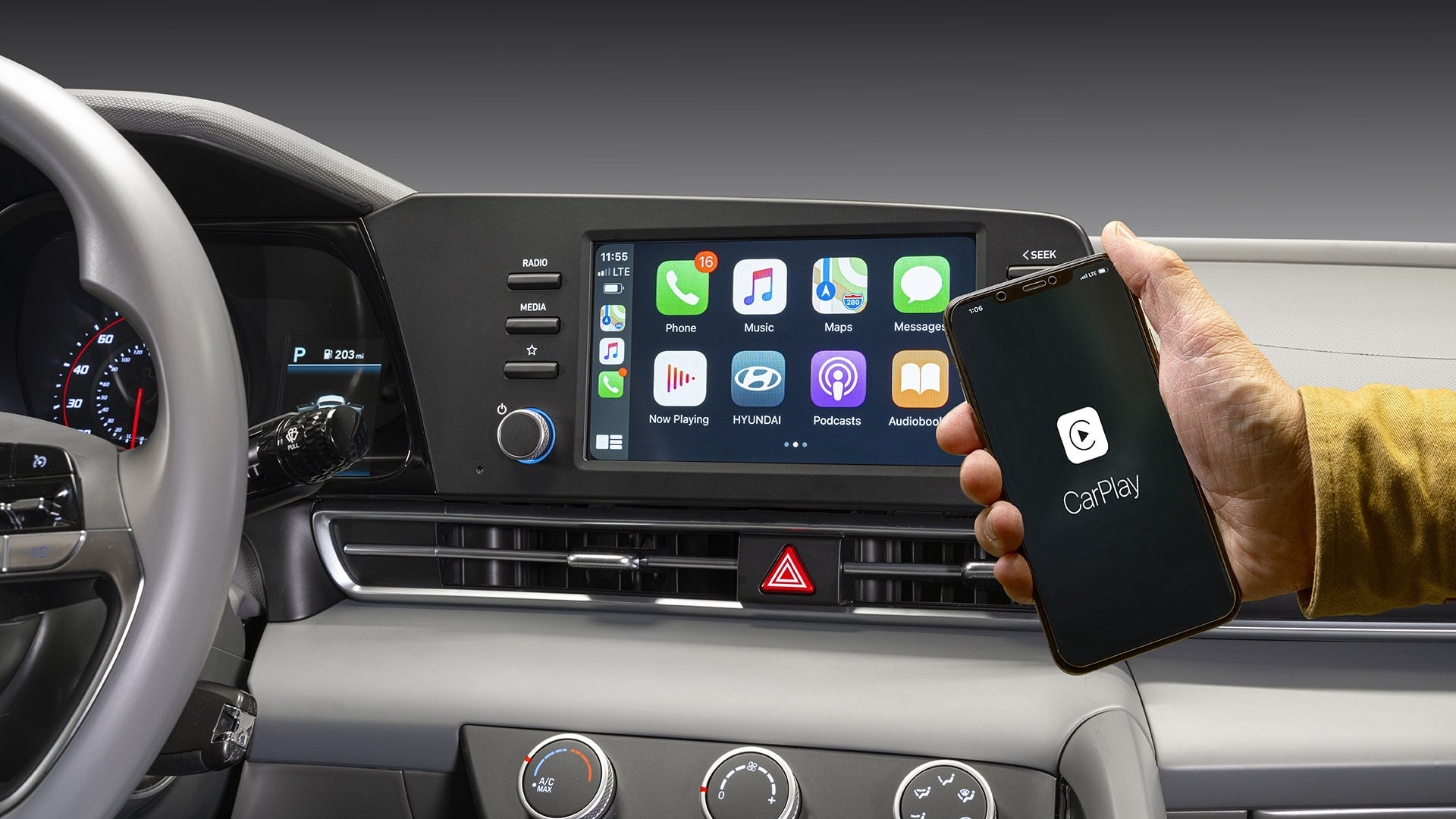 Apple CarPlay in a Hyundai Elantra.