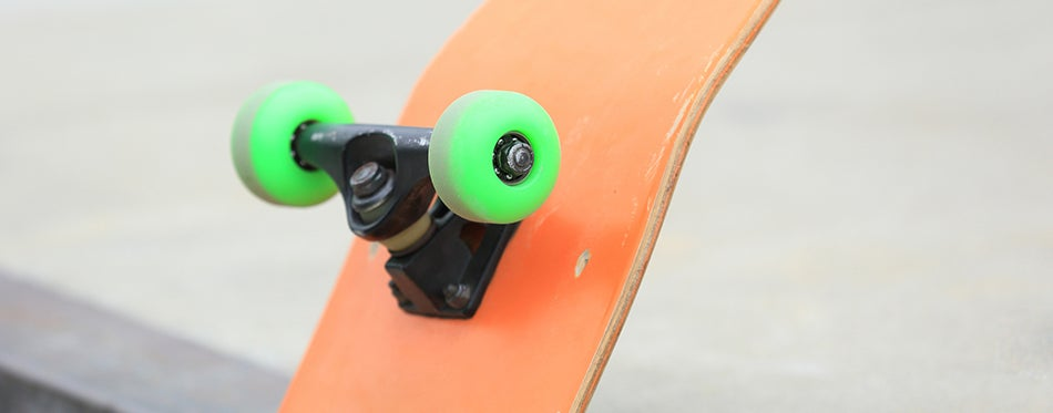 skateboard with best cruiser wheels at park