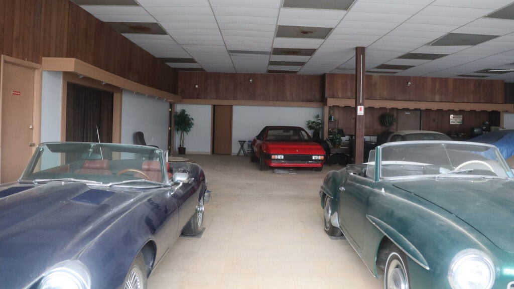 This Abandoned Dealership Is Like a Time Machine to 1999
