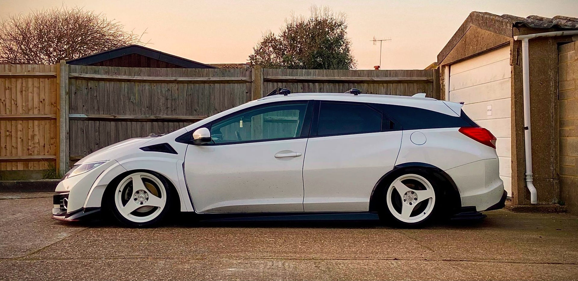 This 2015 Honda Civic Looks Like It Time-Travelled From 3015