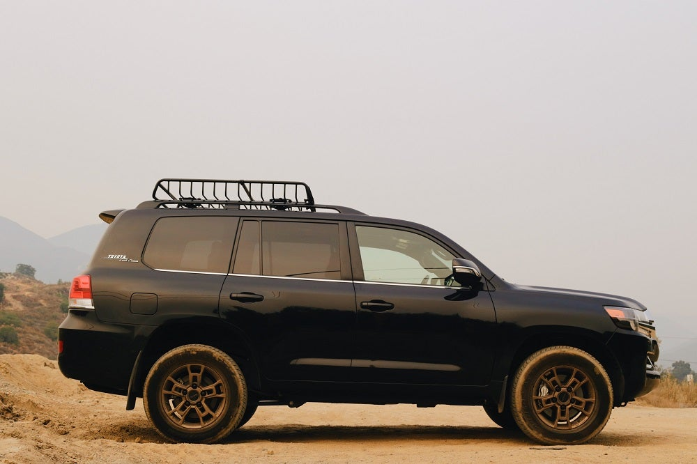 The J200 Toyota Land Cruiser Taught Me That Off-Roaders Are Just As Fun As Sports Cars