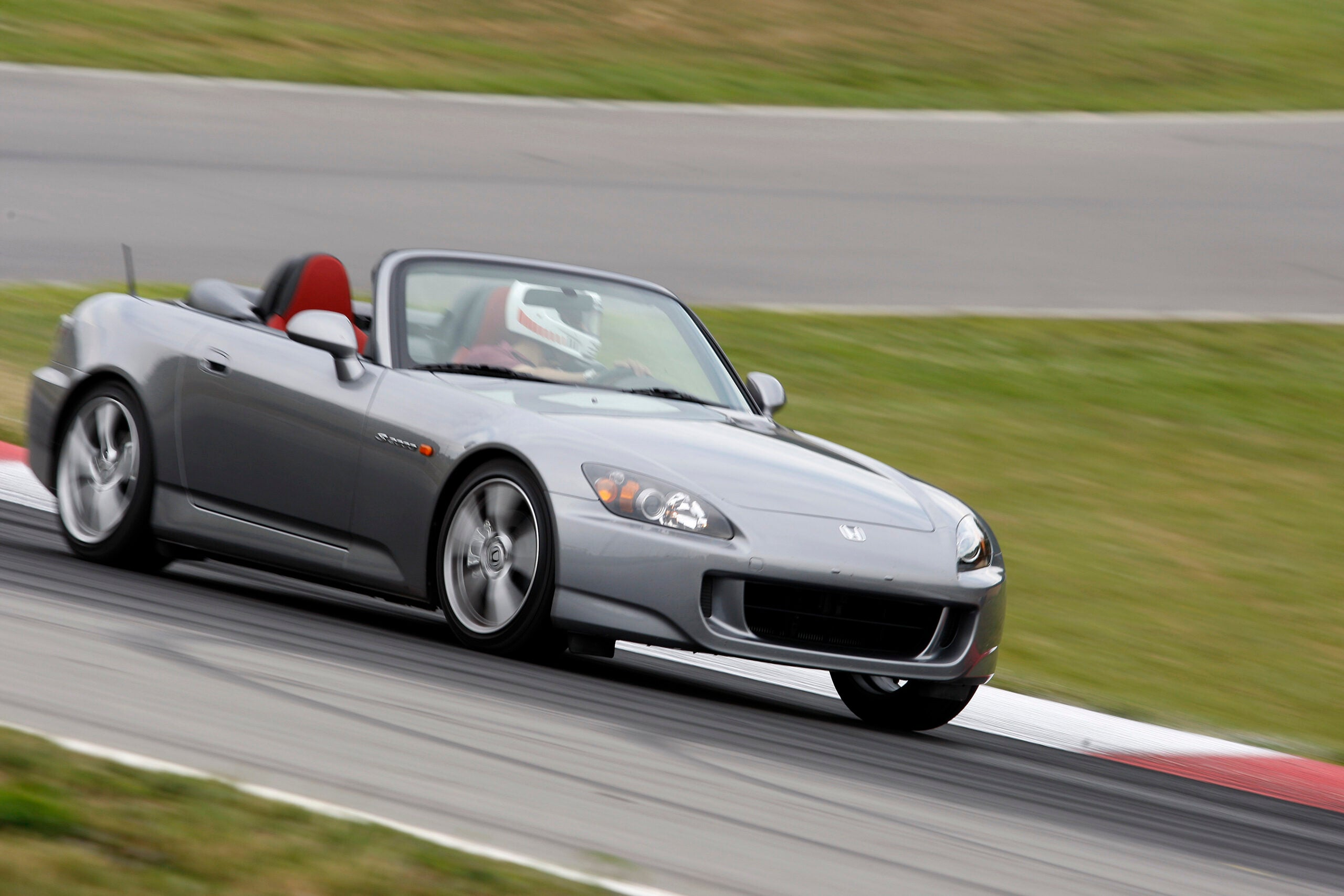 2009 Honda S2000 on track (front)