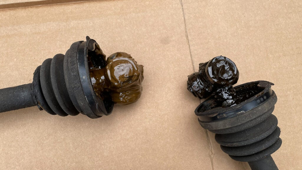 Lots of Research Really Paid Off While Fixing My $1,500 Fiat Abarth's Broken Axles