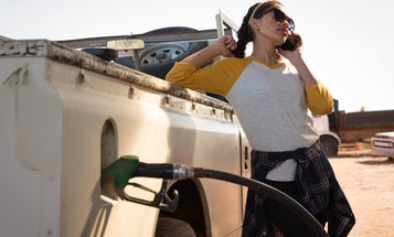 Is It Actually Dangerous To Use Your Cellphone While Pumping Gas?