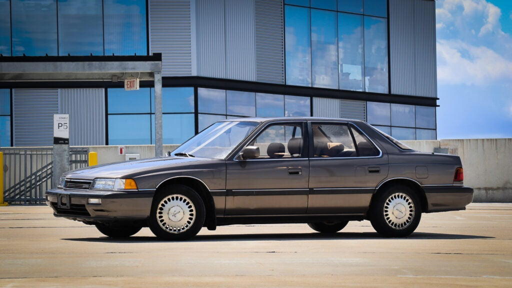 This 1990 Acura Legend Got Abandoned at My House and Became a Community Car