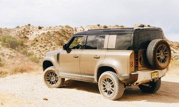 The Key to Lifting Modern Land Rovers Is a Three-Letter Word