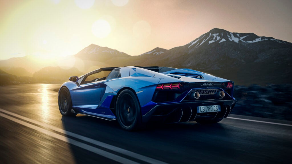 Lamborghini's 'Ultimae' Photo Album Has Classic Need for Speed Vibes and I Really Like It