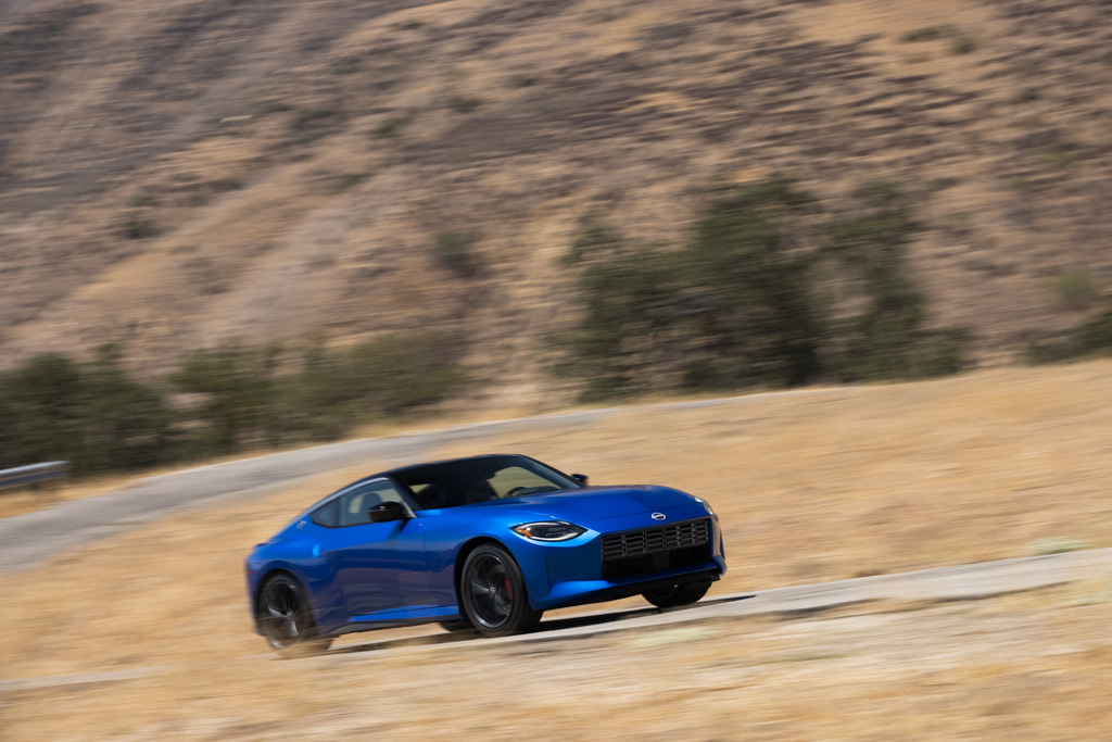 2023 Nissan Z Specs That Stand Out: LSD, a Carbon Fiber Driveshaft, and Good Brakes