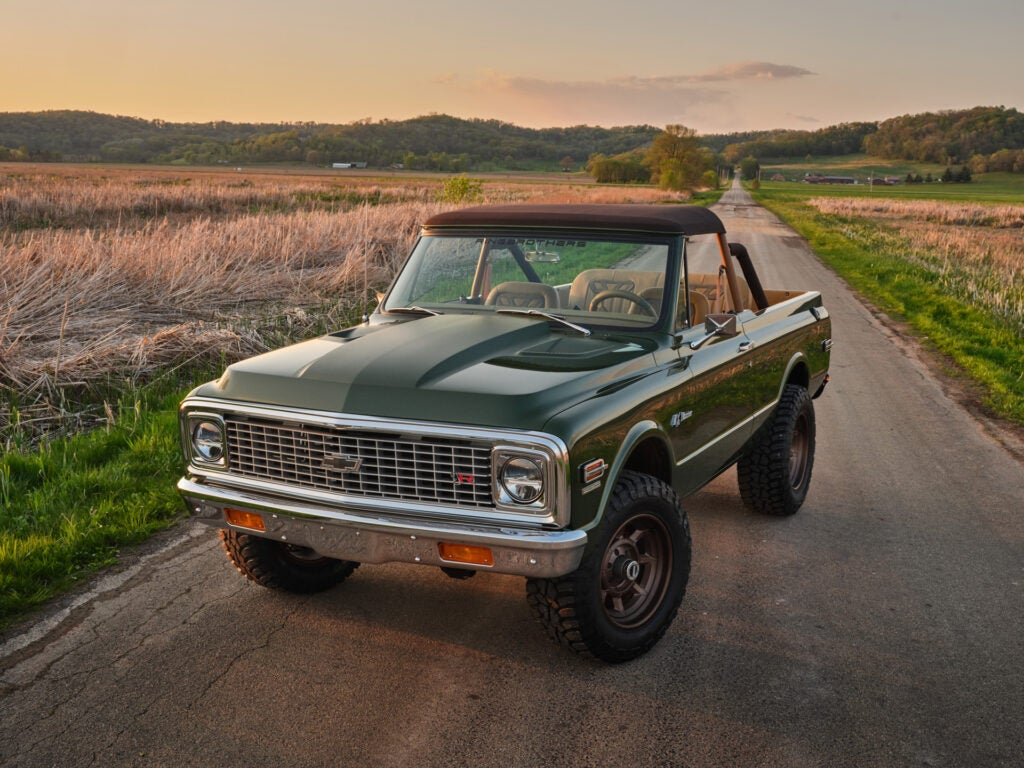 If You Have a Chevy Blazer With a Removable Roof, Take That Top off Pronto