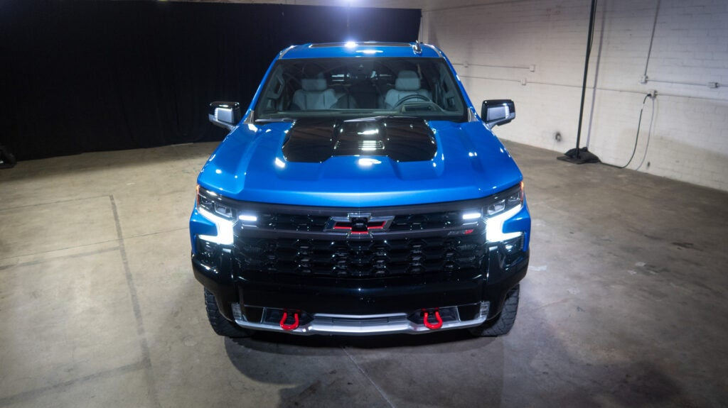 The ZR2 Off-Road Treatment Really Saves the Chevy Silverado's Design (Pic Gallery)